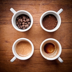 coffee_cups_with_beans_and_ground_coffee